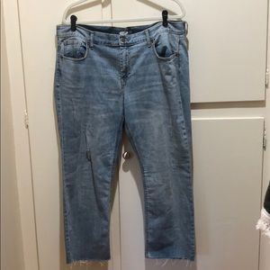 Women's Old Navy flare jeans with distressing 16